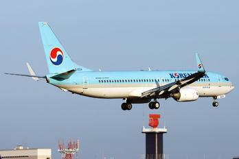 HL8224 - Korean Air Boeing 737-800
