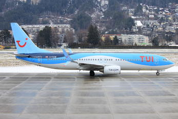 G-FDZW - TUI Airways Boeing 737-800
