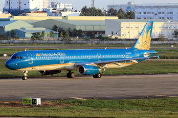 VN-A353 - Vietnam Airlines Airbus A321