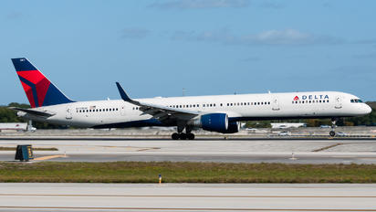 N591NW - Delta Air Lines Boeing 757-300