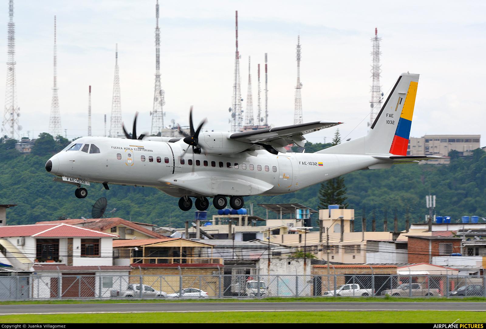 Ecuador - Air Force FAE-1032 aircraft at Guayaquil - José Joaquín de Olmedo