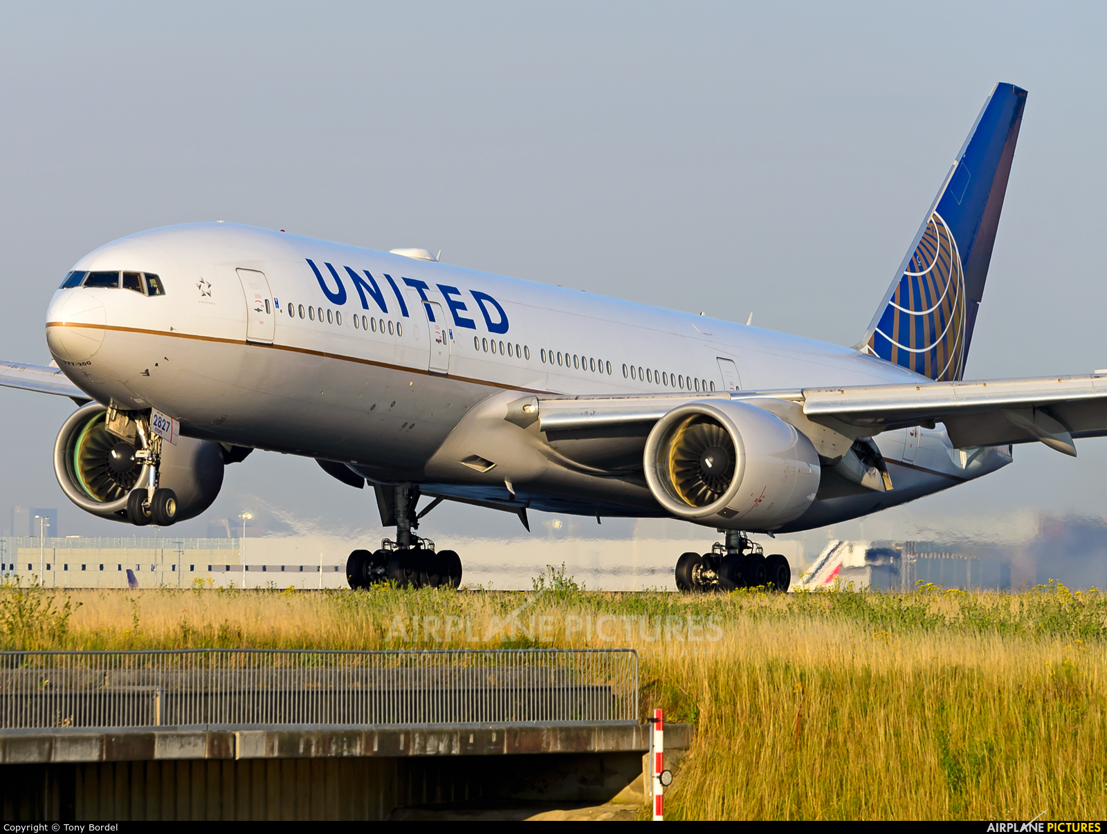 United Airlines N227UA aircraft at Paris - Charles de Gaulle