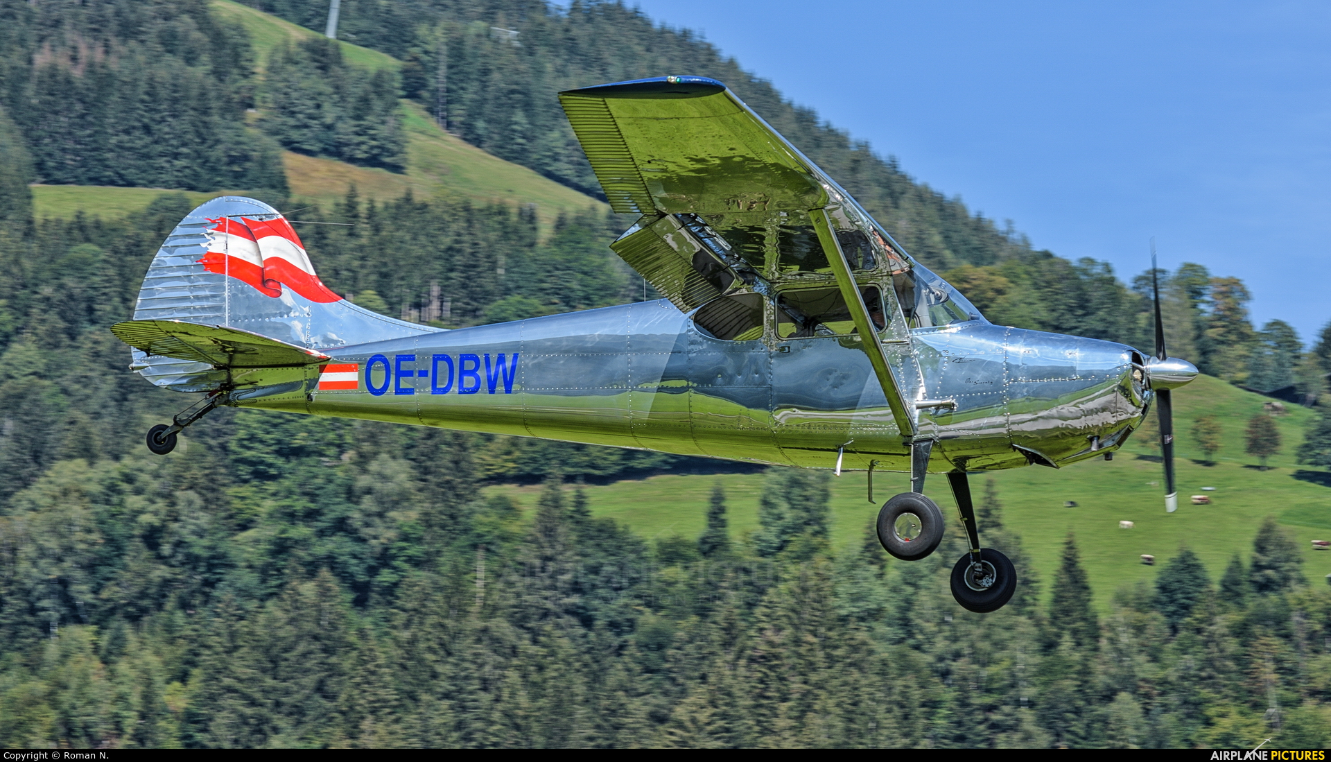 Private OE-DBW aircraft at Zell am See
