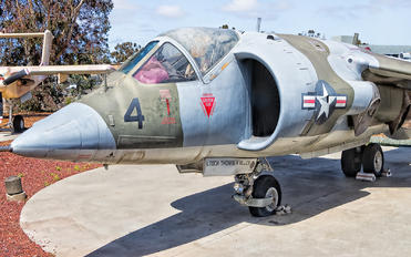 158387 - USA - Marine Corps Hawker Siddeley AV-8A Harrier
