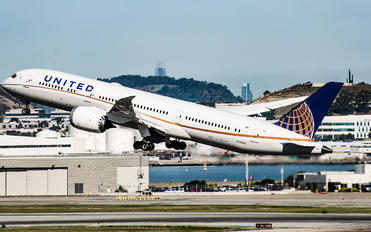 N17963 - United Airlines Boeing 787-9 Dreamliner