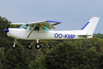 OO-KMP - Private Cessna 152