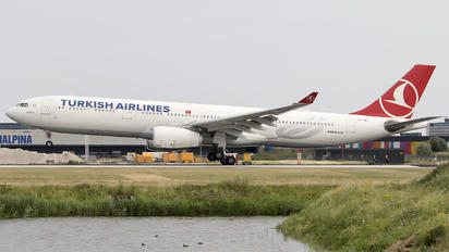 TC-JNO - Turkish Airlines Airbus A330-300