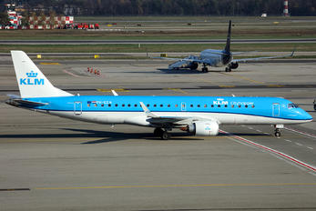 PH-EZN - KLM Cityhopper Embraer ERJ-175 (170-200)