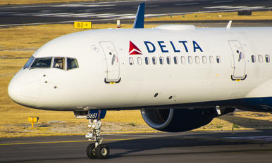 N551NW - Delta Air Lines Boeing 757-200