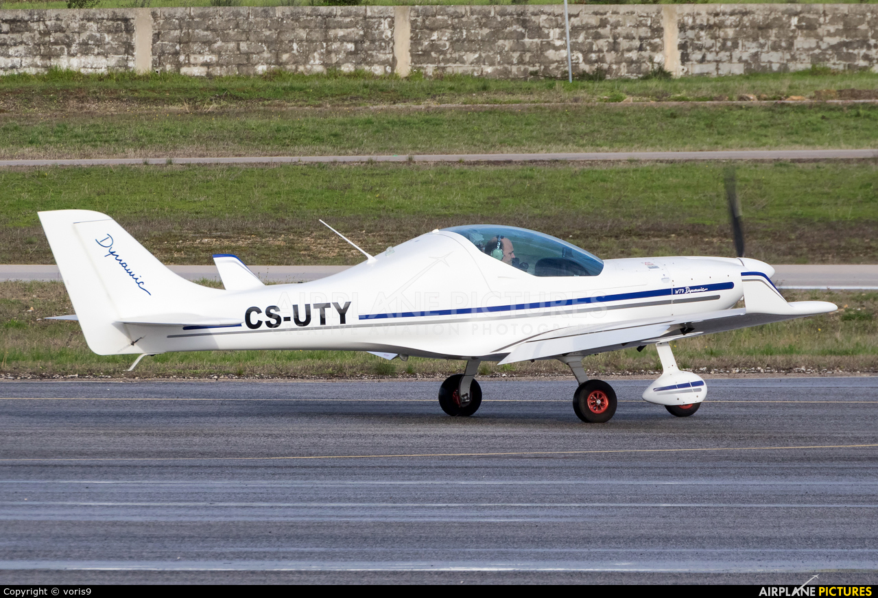Private CS-UTY aircraft at Cascais