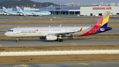 HL8074 - Asiana Airlines Airbus A321
