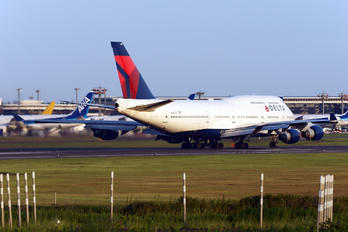 N667US - Delta Air Lines Boeing 747-400