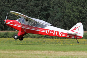 OY-ARL - Private Piper J3 Cub