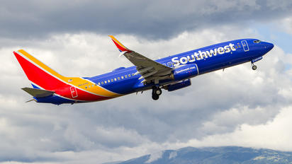 N8324A - Southwest Airlines Boeing 737-800