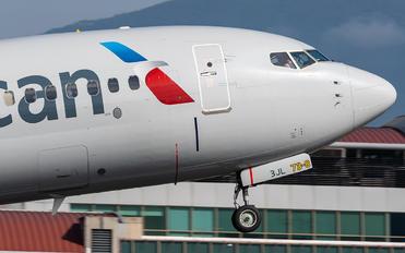N902NN - American Airlines Boeing 737-800