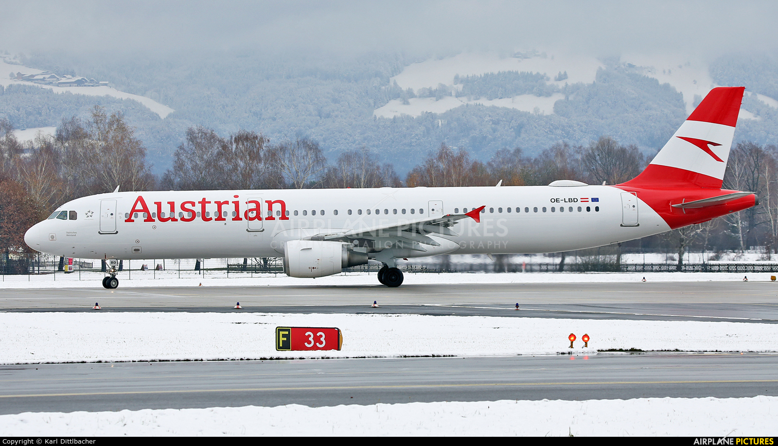 Austrian Airlines/Arrows/Tyrolean OE-LBD aircraft at Salzburg