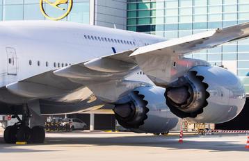 D-ABYS - Lufthansa Boeing 747-8