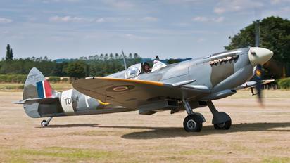 G-CGYJ - Aero Legends Supermarine Spitfire Mk.IX