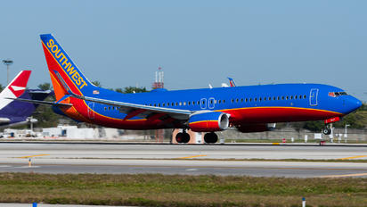 N8647A - Southwest Airlines Boeing 737-8H6