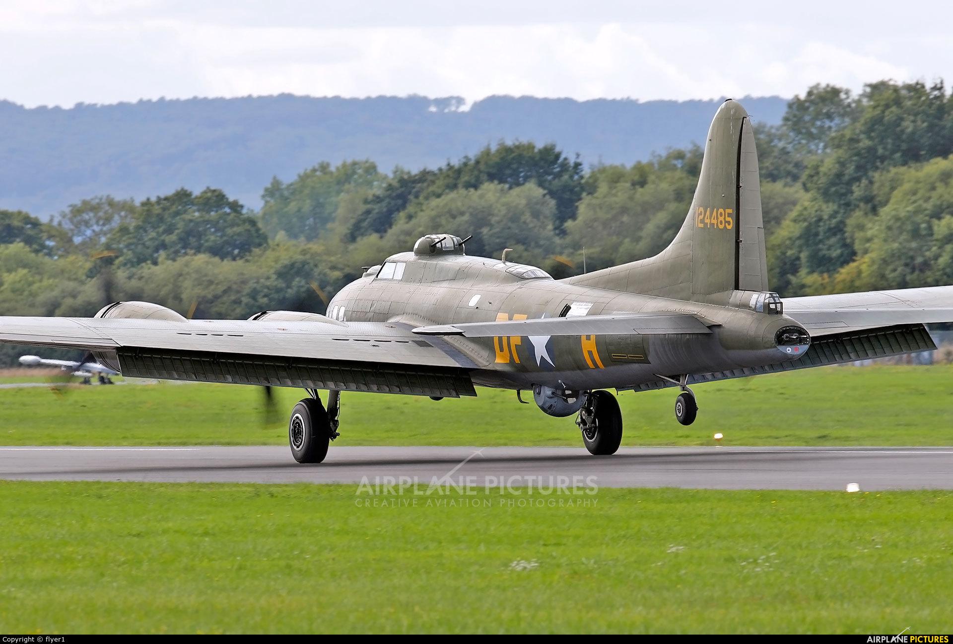 B17 Preservation G-BEDF aircraft at Dunsfold