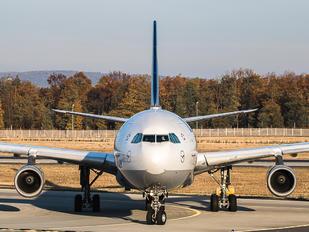 D-AIFC - Condor Airbus A320