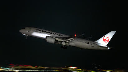 JA827J - JAL - Japan Airlines Boeing 787-8 Dreamliner