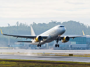 EC-LVT - Vueling Airlines Airbus A320