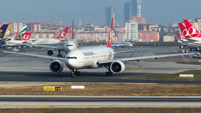 TC-LJD - Turkish Airlines Boeing 777-300ER