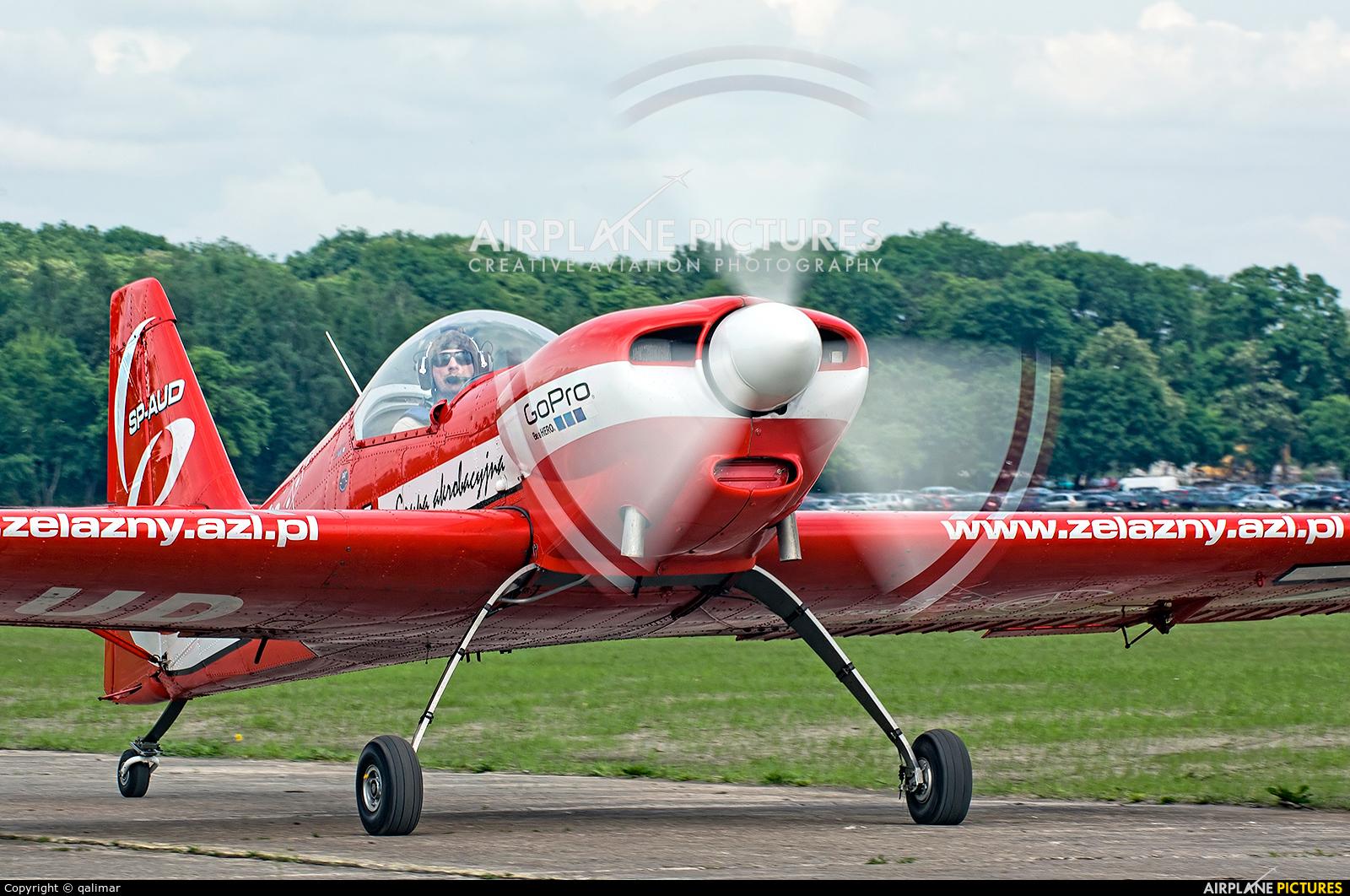 Grupa Akrobacyjna Żelazny - Acrobatic Group SP-AUD aircraft at Płock