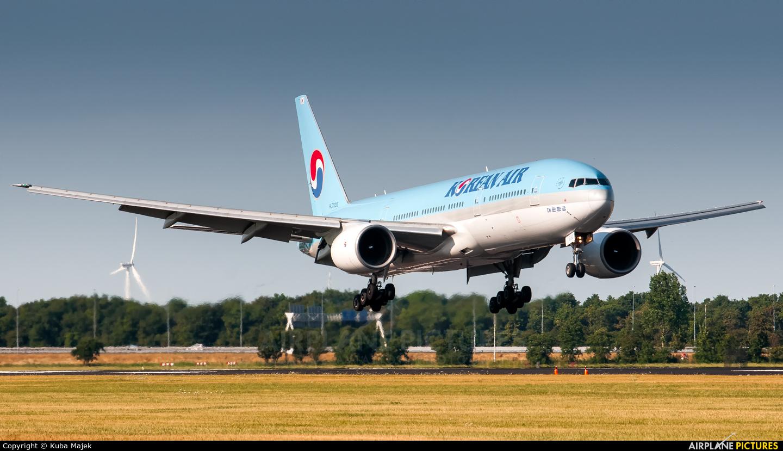 Korean Air HL7530 aircraft at Amsterdam - Schiphol