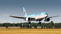 HL7530 - Korean Air Boeing 777-200 aircraft