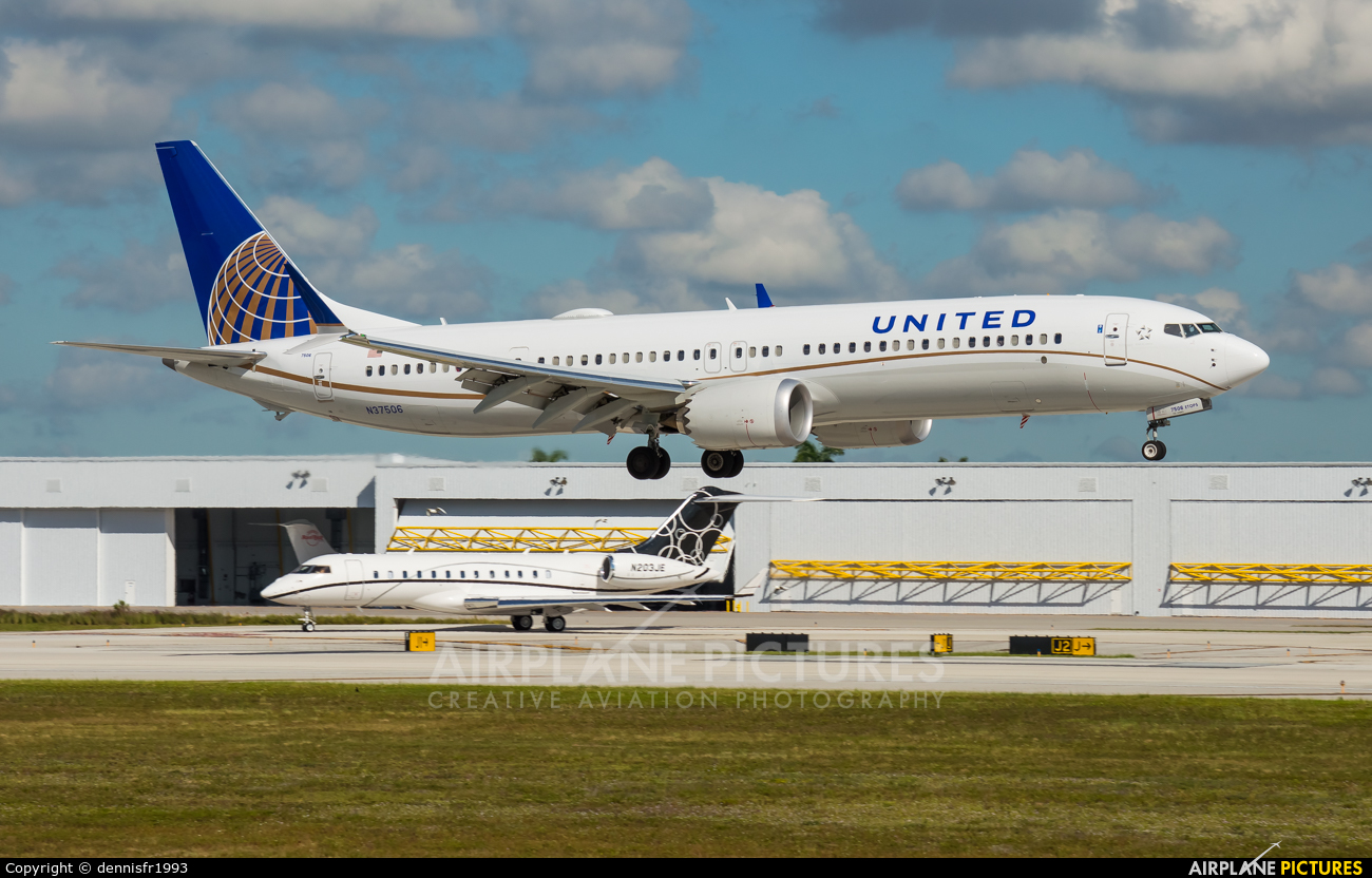 United Airlines N37506 aircraft at Fort Lauderdale - Hollywood Intl