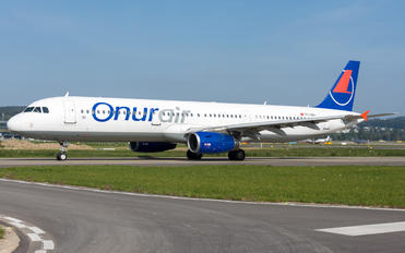 TC-OBJ - Onur Air Airbus A321