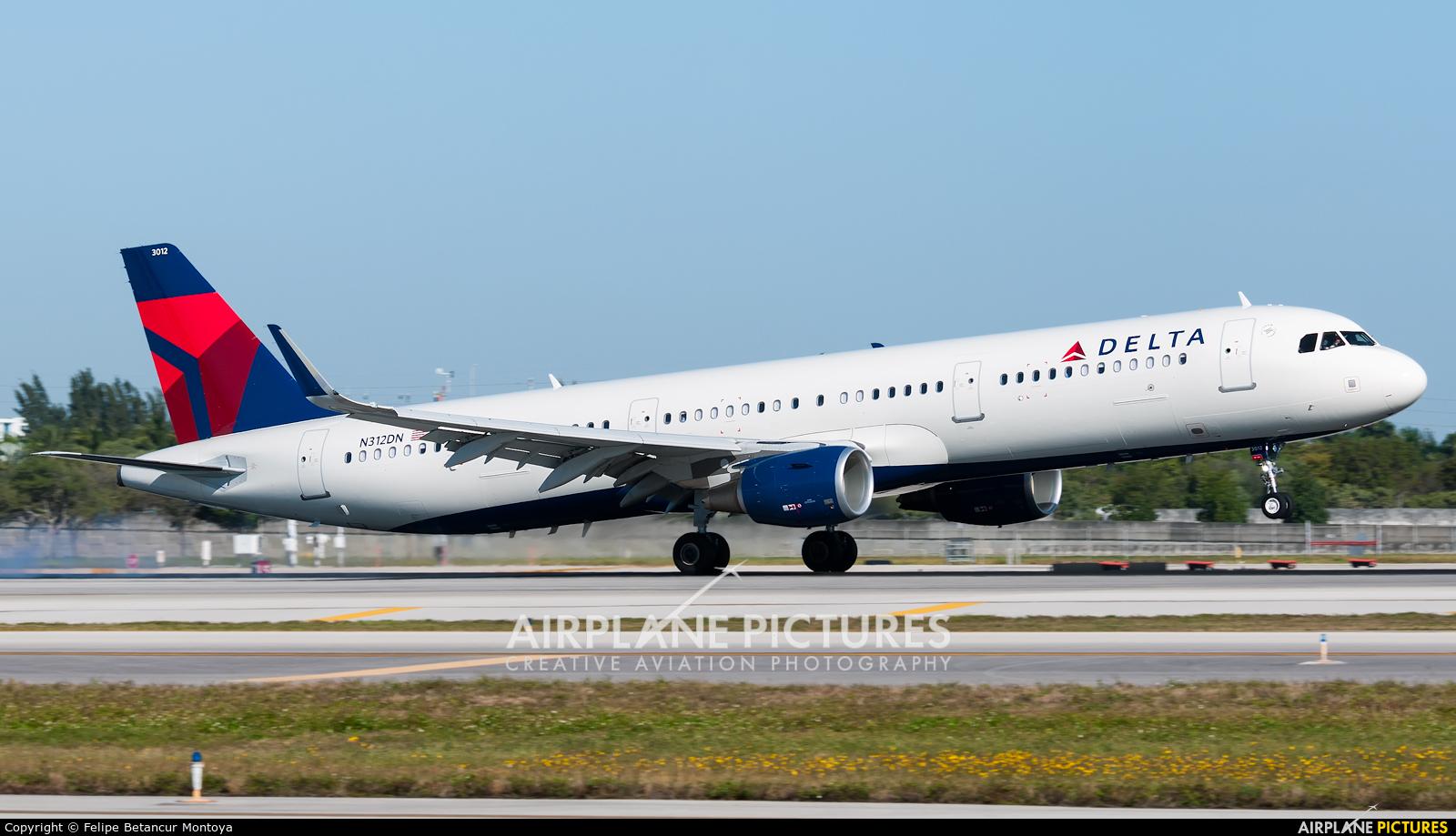 Delta Air Lines N312DN aircraft at Fort Lauderdale - Hollywood Intl