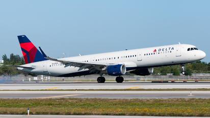 N312DN - Delta Air Lines Airbus A321