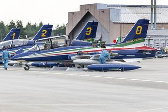 "0 - Italy - Air Force ""Frecce Tricolori"" Aermacchi MB-339-A/PAN"