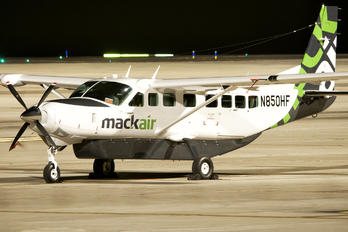 N850HF - Mack Air Cessna 208B Grand Caravan