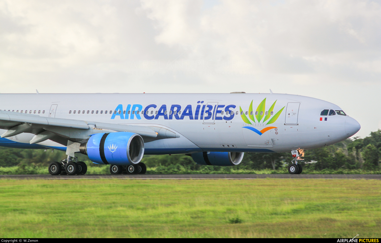 Air Caraibes F-HHUB aircraft at Guadeloupe - Pointe-à-Pitre