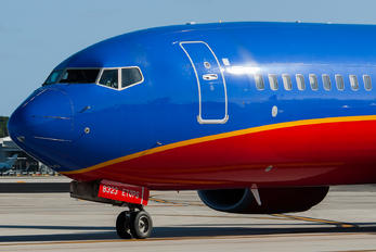 N8323C - Southwest Airlines Boeing 737-8H6