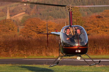 G-OIIO - Whizzard Helicopters Robinson R22