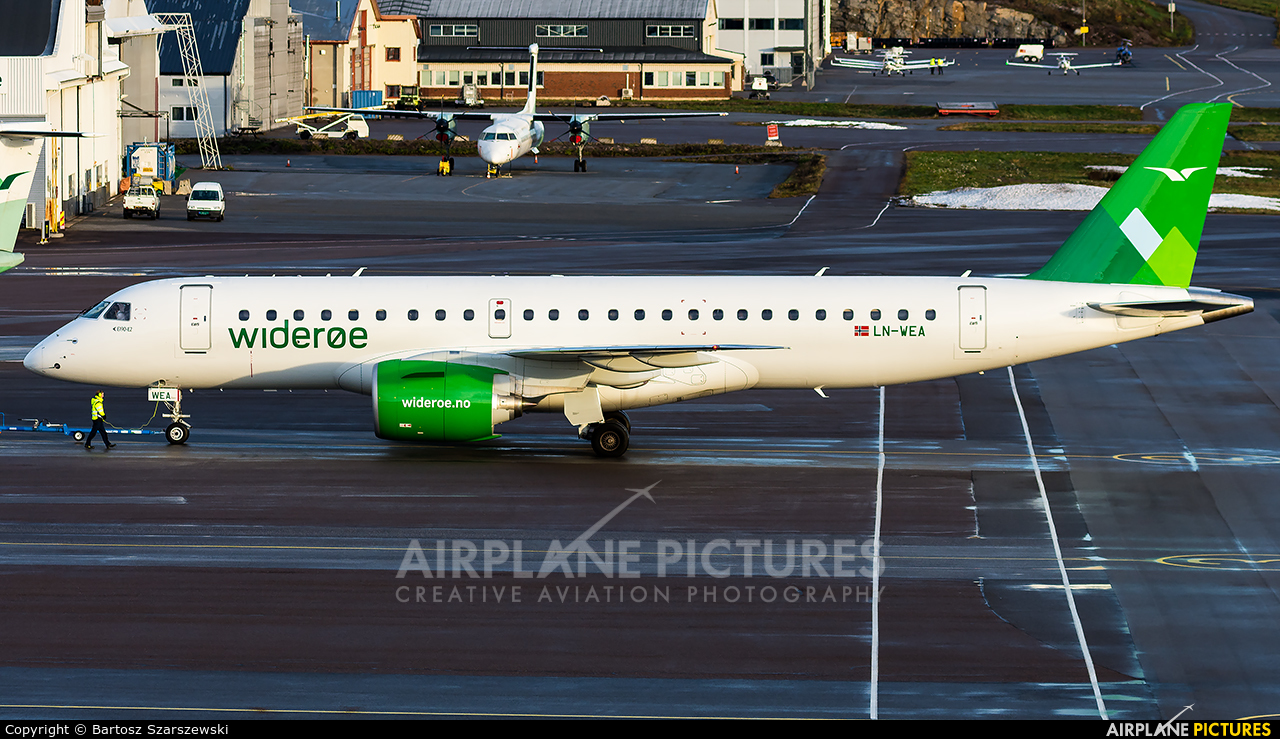 Widerøe LN-WEA aircraft at Sandefjord - Torp