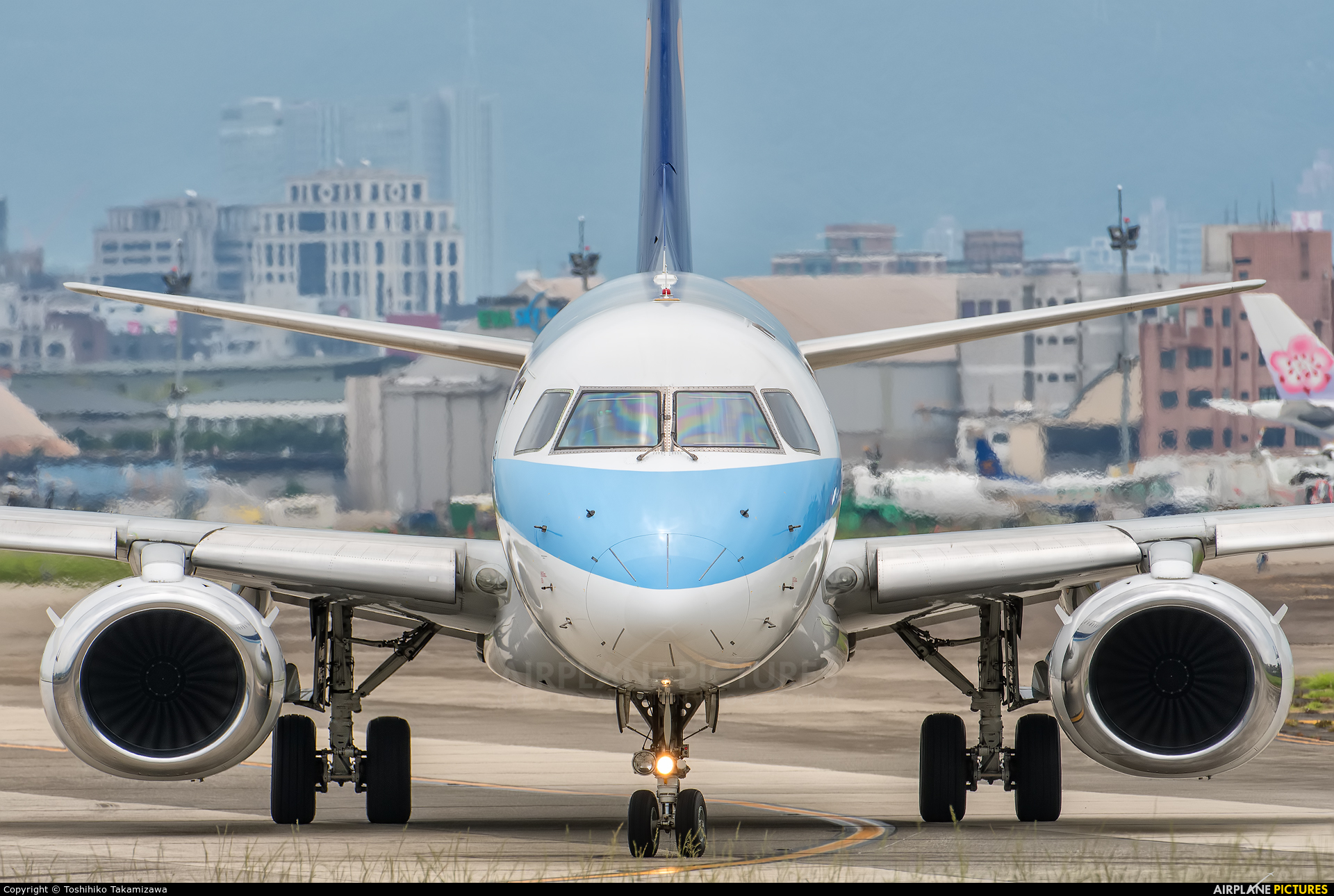 Mandarin Airlines B-16827 aircraft at Taipei - Sung Shan