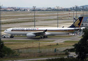 9V-STW - Singapore Airlines Airbus A330-300 aircraft
