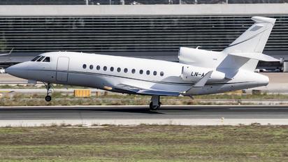 LN-AGE - Sundt Air Dassault Falcon 900 series