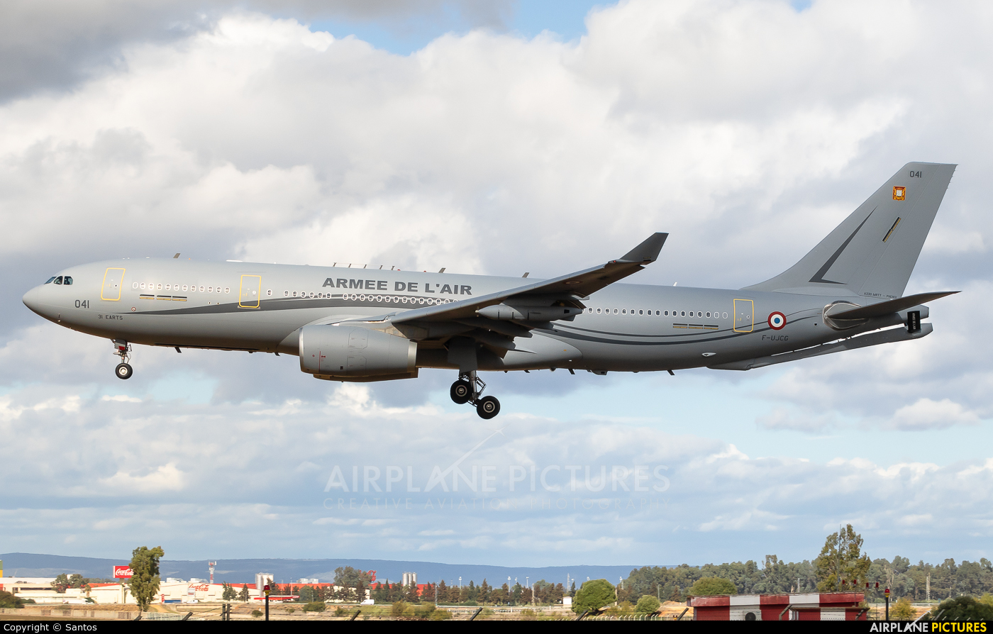 France - Air Force 041 aircraft at Seville - San Pablo
