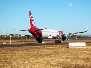 PT-XPI - TAM Airbus A321