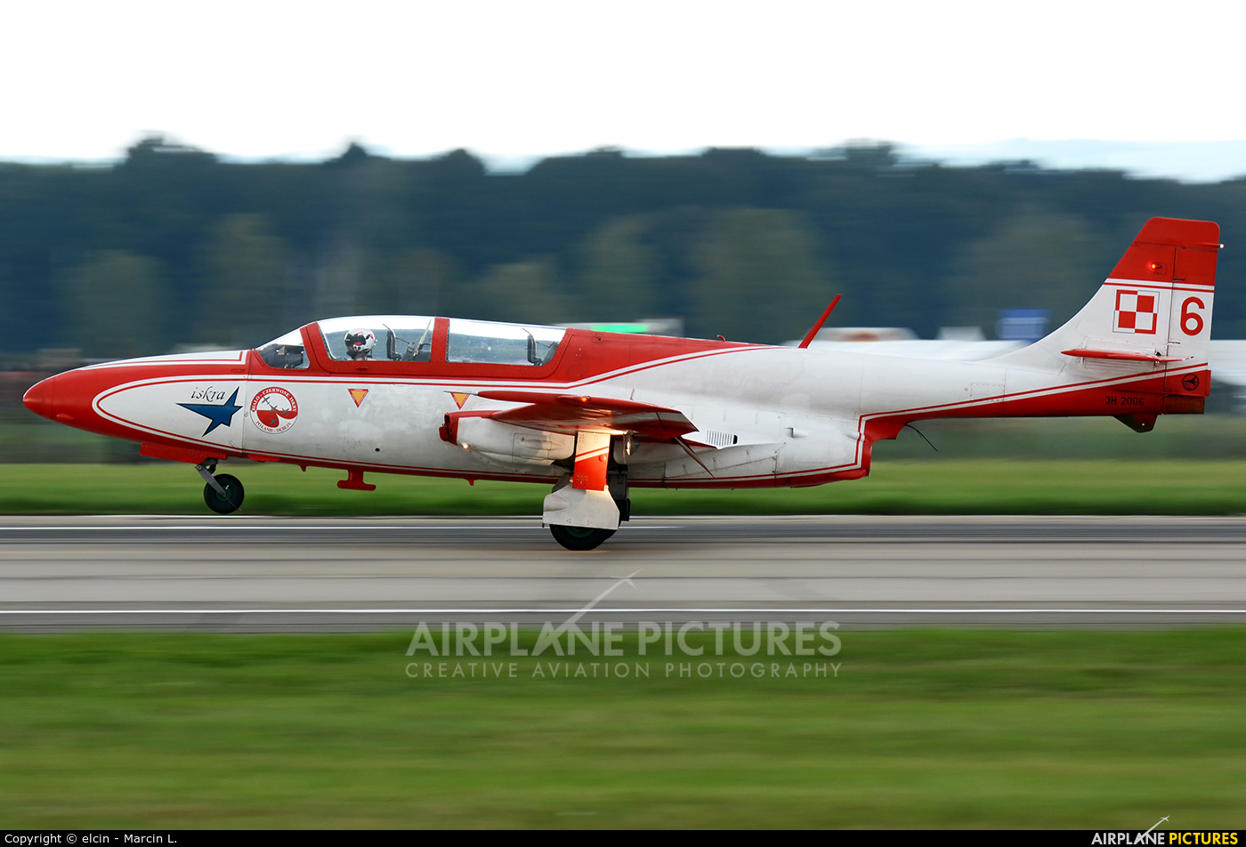 Poland - Air Force: White & Red Iskras 3H-2006 aircraft at Ostrava Mošnov