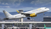 EC-LUO - Vueling Airlines Airbus A320 aircraft