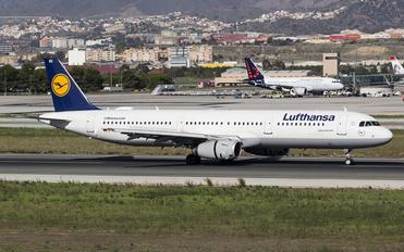 D-AIDO - Lufthansa Airbus A321