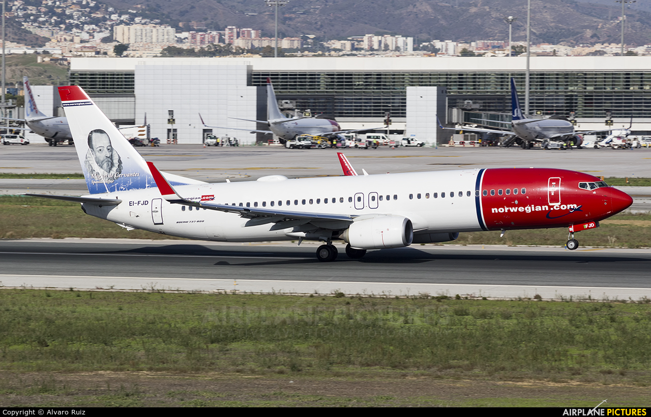 Norwegian Air Shuttle EI-FJD aircraft at Málaga